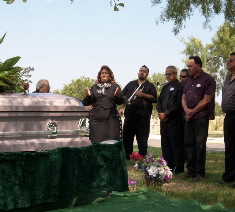 Cemetery Funeral Photograper Photos of Mariachi Players