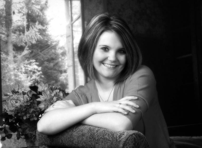 Black and white senior portrait photo high school girl san antonio texas