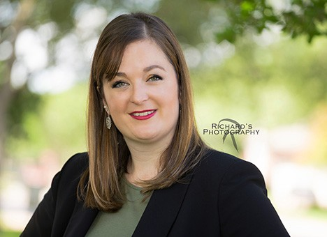 linkedin business woman headshot