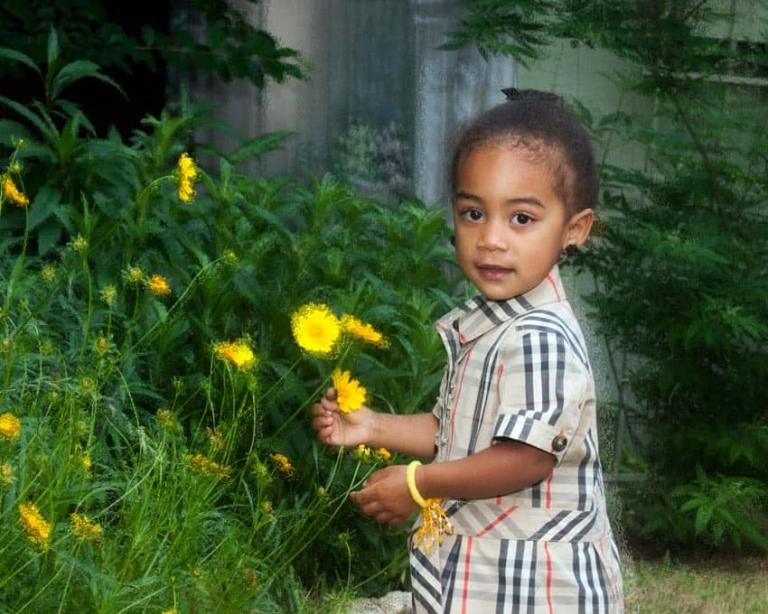 Children's Portrait Photogrpahy Outdoor at Studio Photographer San Antonio