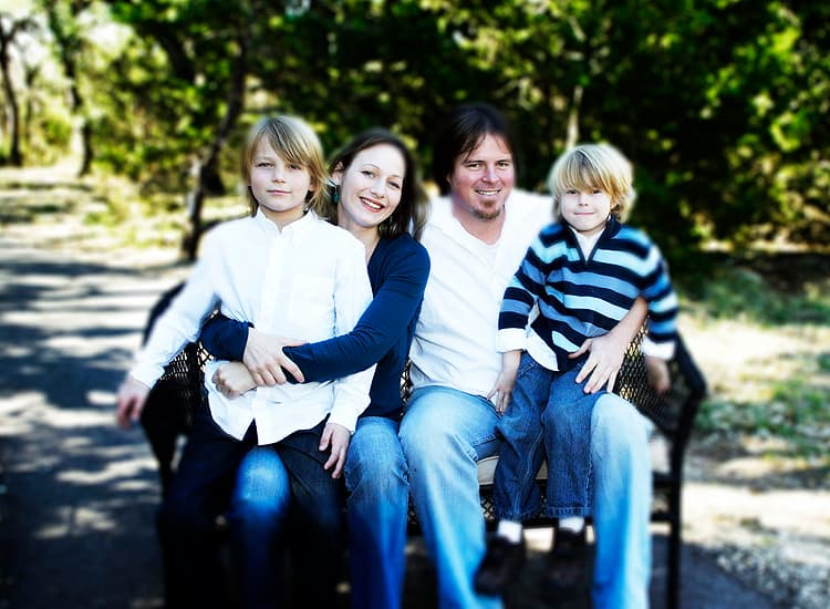 outdoor family photographyof 4 family members