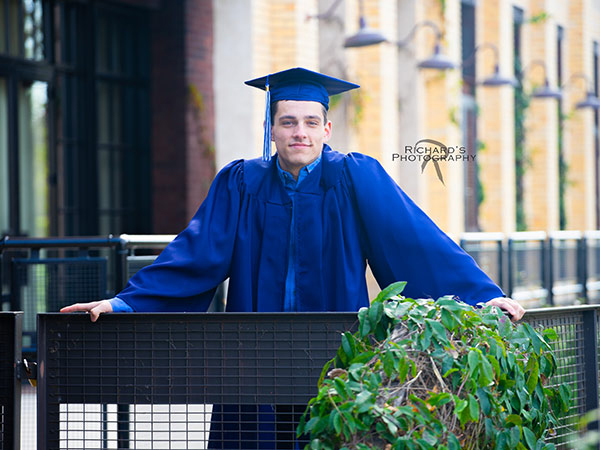 graduation-pictures-cap-and-gown-the-pearl-san-antonio