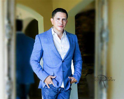 man-business-suit-portrait-session-san-antonio