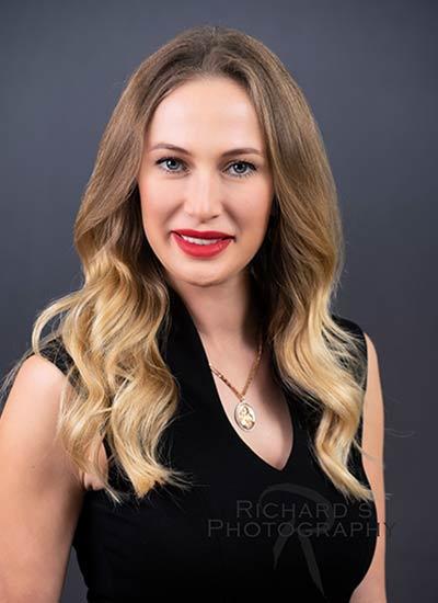 woman-business-portrait-blonde-hair-san-antonio