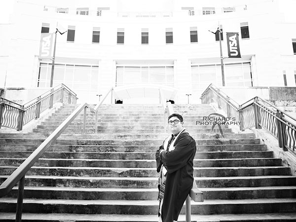 black-and-white-graduation-portrait-UTSA-campus-san-antonio