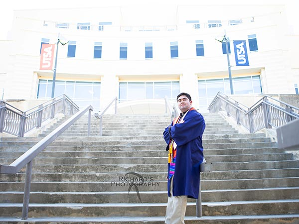 college-student-utsa-graduation-portrait-san-antonio-texas