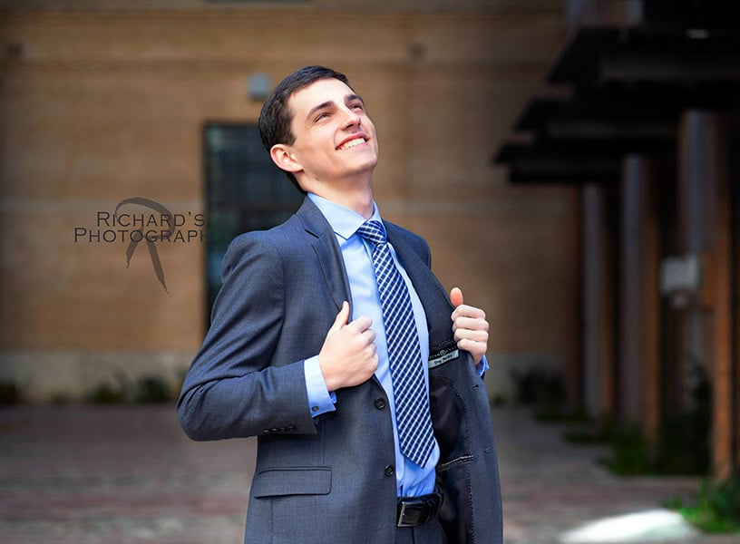 graduation-pictures-at-the-pearl-brewery-suit-and-tie