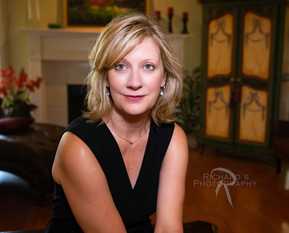 woman business headshot indoor san antonio tx