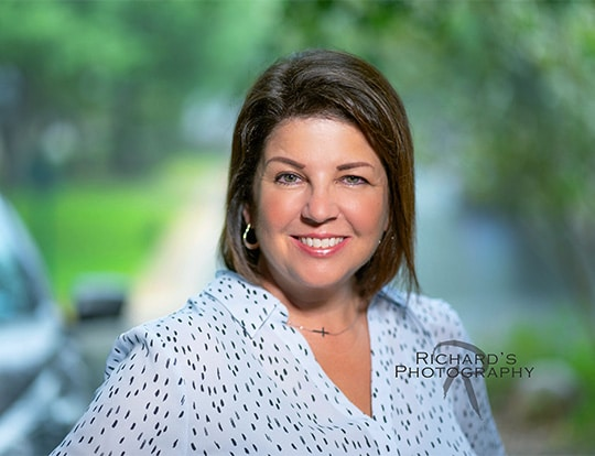 women's real estate agent headshot outdoors san antonio