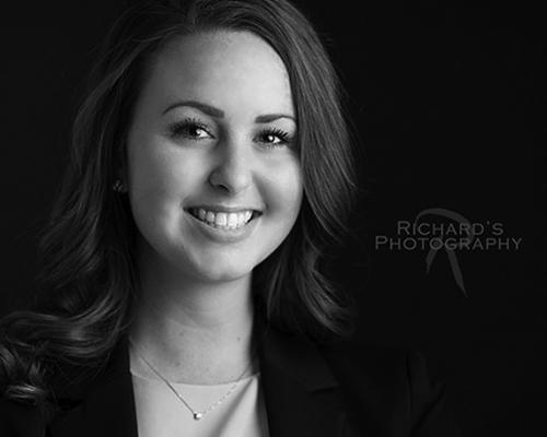 Business-Headshots-Black-and-White-Woman