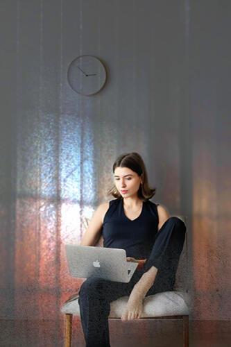 girl with laptop senior