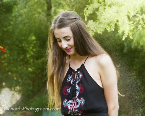 outdoor senior portrait san antonio