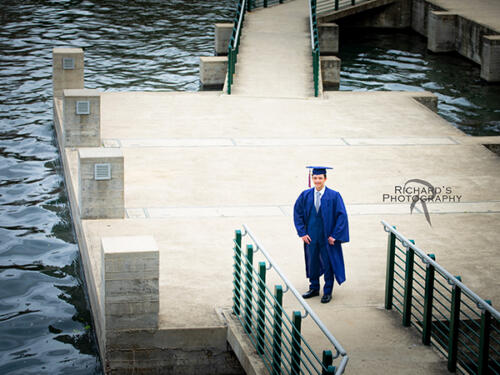 the pearl brewery senior pictures cap and gown