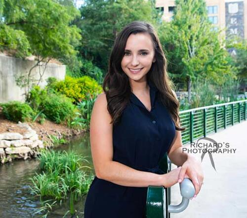 woman-portrait-the-pearl-brewery-outdoors-san-antonio
