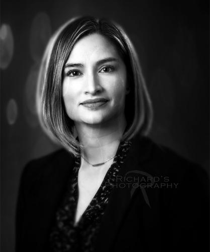 black-and-white-woman's-portrait-for-business-san-antonio