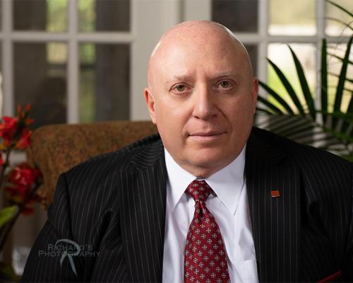 business-banker-headshot-in-pin-strip-suit-san-antonio-texas