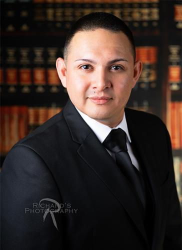 business-headshot-boocase-background-lawyer-san-antonio