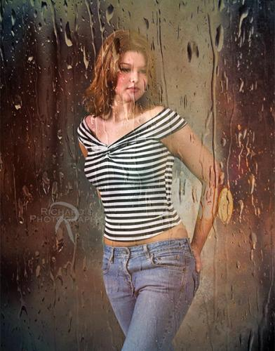 creative-senior-portrait-girl-in-rain-san-antonio