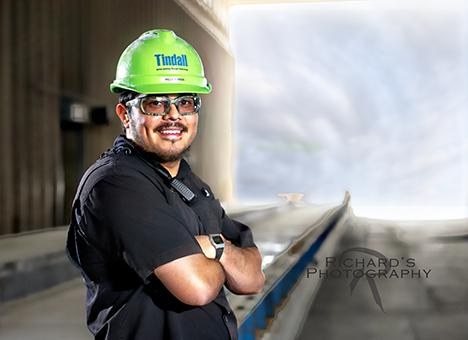 environmental portrait photography santonio business employee
