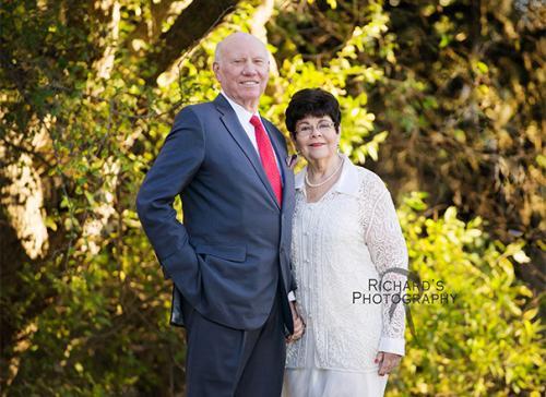family portrait couple outdoors san antonio
