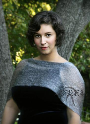 formal senior portrait girl outdoors san antonio