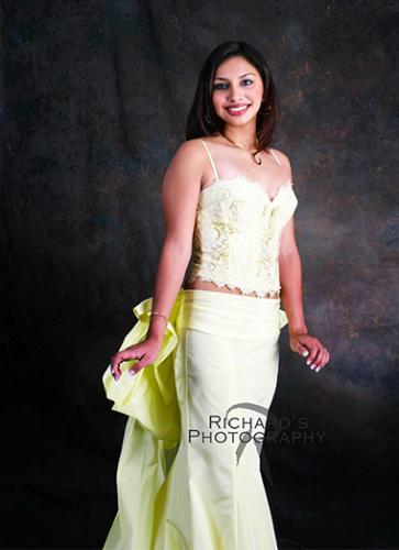 formal senior portrait girl yellow prom dress san antonio