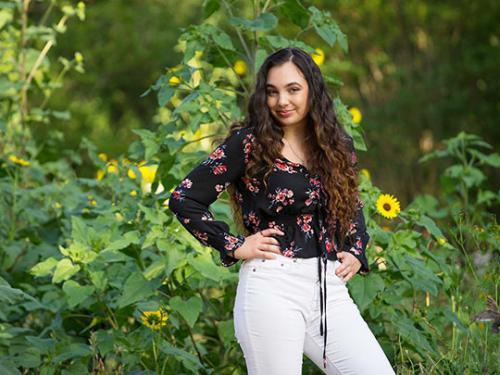 graduation-portrait-outdoors-garden-girl