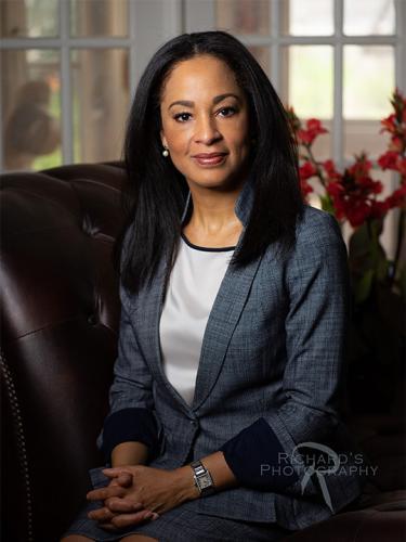 lawyer-business-portrait-woman-san-antonio