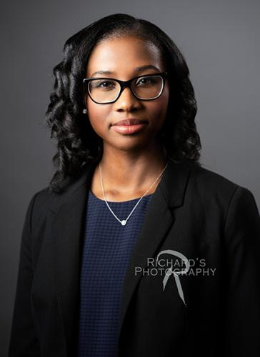 medical student application headshot girl with glasses