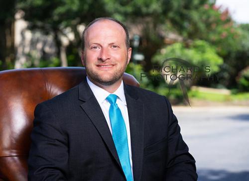 outdoor business headshot man in suit and tie san antonio tx