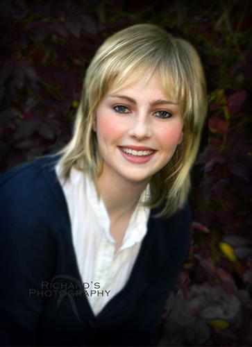 outdoor high school senior portrait girl san antonio