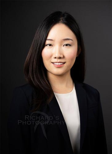 woman-medical-student-application-headshot-san-antonio