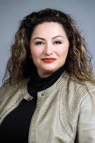 woman-portrait-real-estate-agent-san-antonio-texas copy