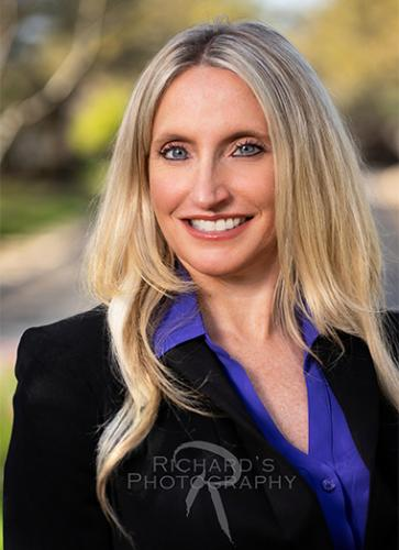 woman business portrait outdoor san antonio texas