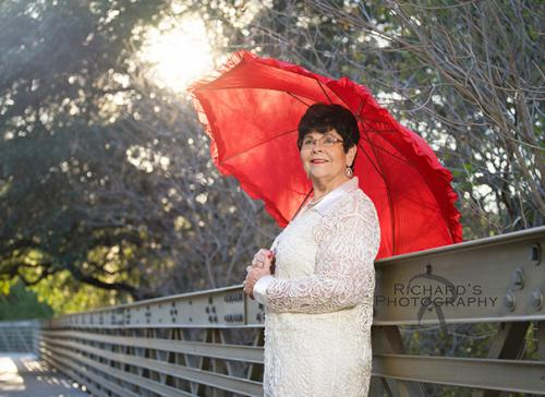 woman portrait with umbrella san antonio park