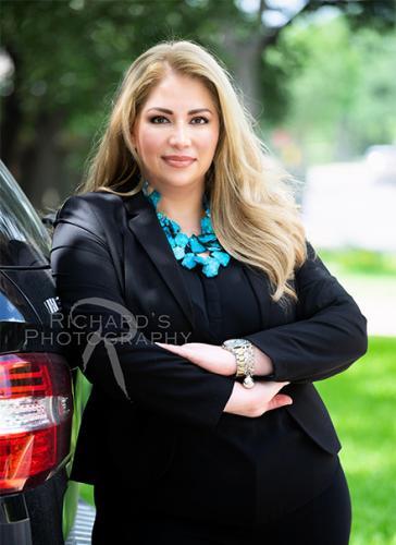 woman professional headshot real estate agent san antonio