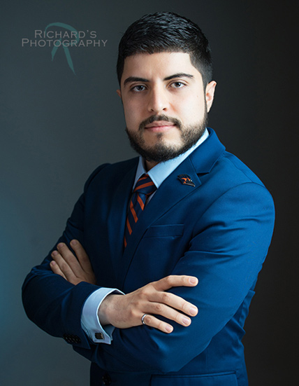 professional headshot for men in dark blue suit in San Antonio Tx